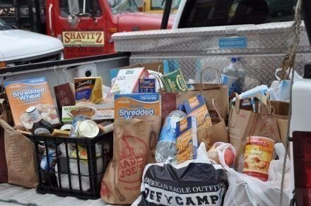 Alt for Food_Drive_photo4