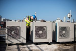 commercial-hvac-work-on-rooftop